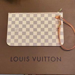 Louis Vuitton Neverfull Azur Pouch Pouchette wrist